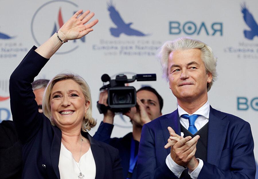 Özgürlük Partisi Başkanı Geert Wilders (sağda)