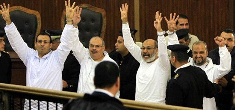 Mısır hapishanelerindeki İhvan yöneticileri.