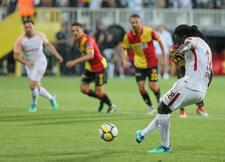 Sarı kırmızılılar, Bafetimbi Gomis'in penaltıdan attığı bu golle şampiyonluğa ulaşmıştı.