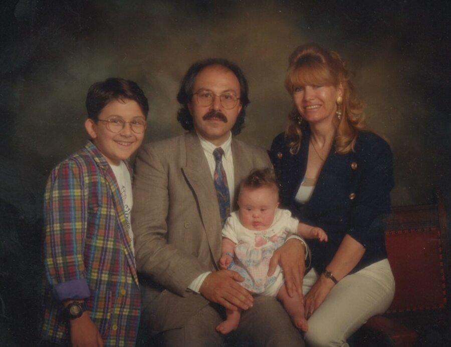 Mim Kemal Öke ve ailesi.