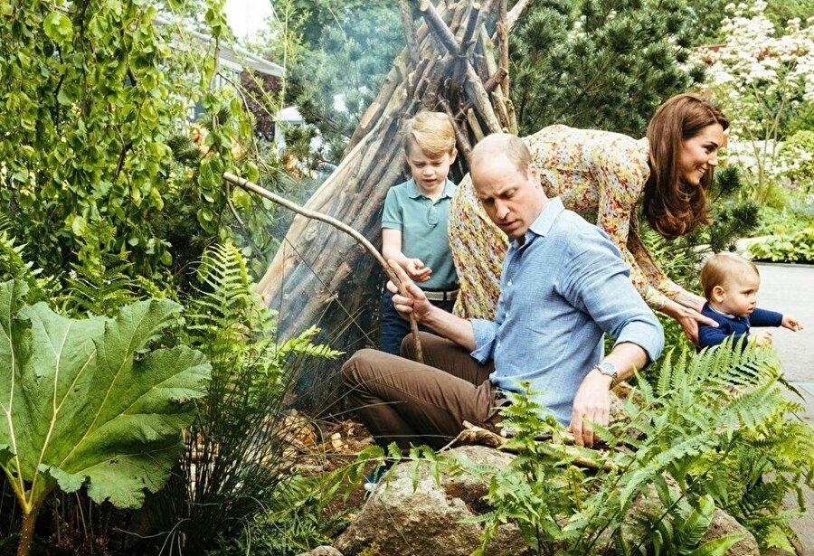 Prens William ailesi ile eğlenceli dakikalar geçirdi.