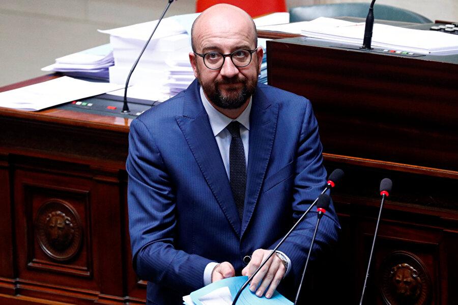 Başbakan Charles Michel mecliste görünüyor.
