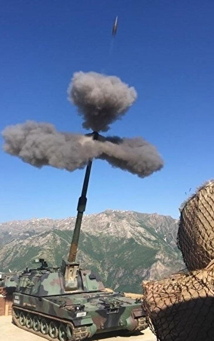 Hakurk vadisinde bulunan terör örgütü PKK hedeflerine karşı başlatılan Pençe Harekatı sürüyor.