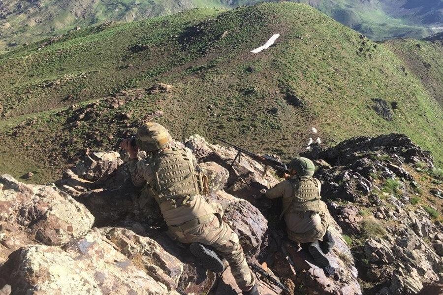Operasyona katılan askerlerimiz görünüyor.