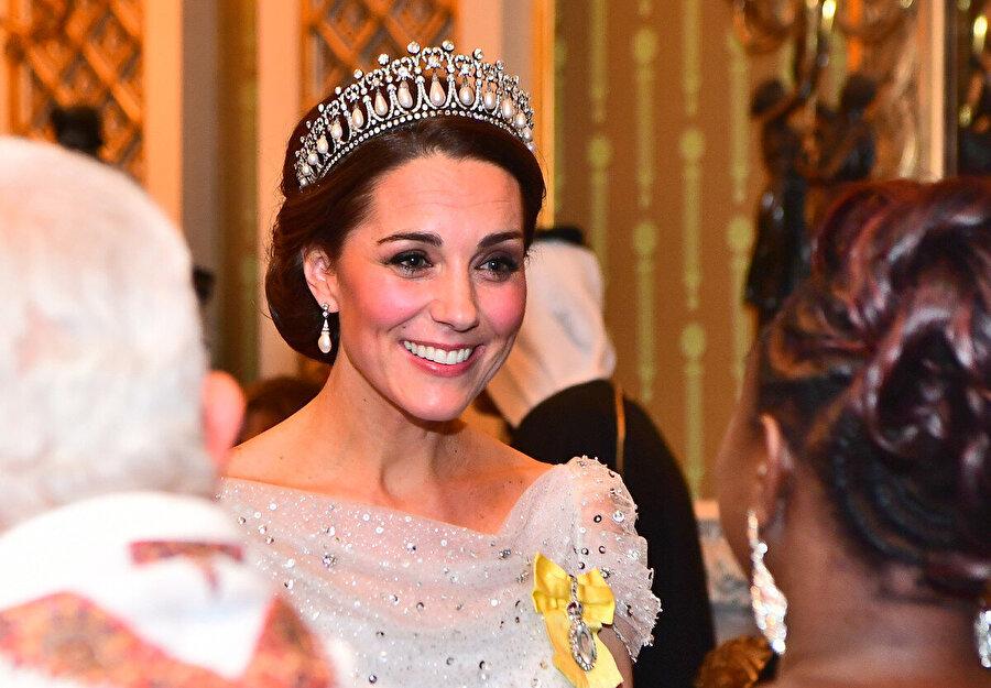 Kate Middleton, Prenses Diana'nın tacını kullanıyor
