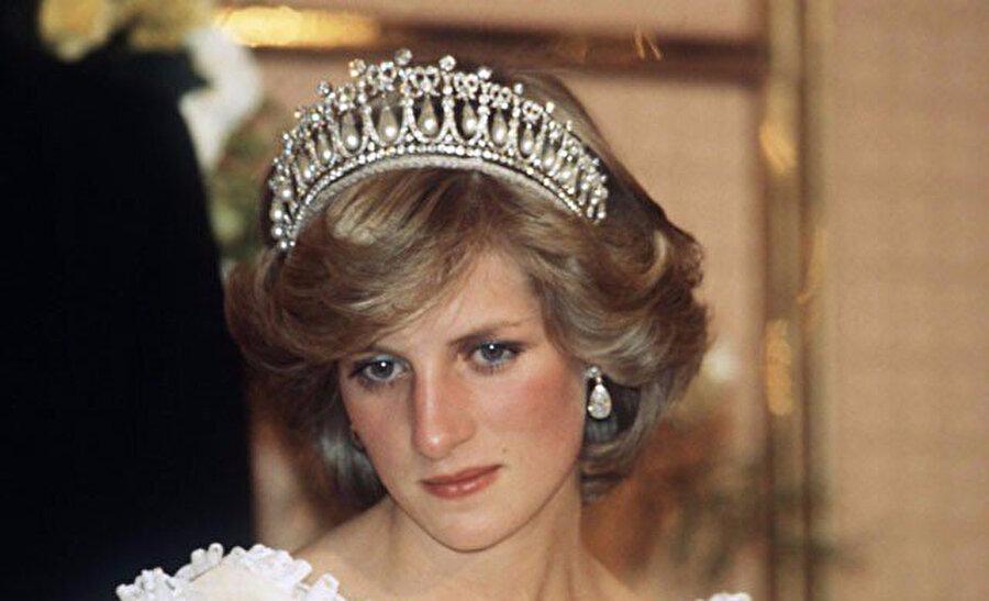 Prenses Diana'nın takılarını Kate Middelton kullanırken, bir kısmı da Meghan Markle'a ait.