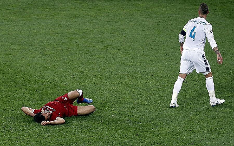 Sergio Ramos, 2018 finalinde Salah'ı sakatlayarak oyundan çıkmasına sebep olmuştu.