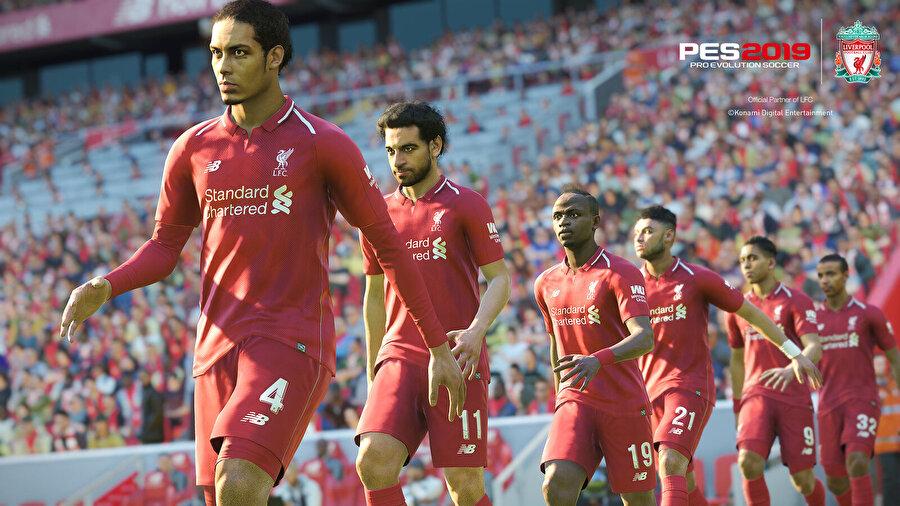 PES 2019, FIFA 19 ile rekabette oynanış ve lisans tarafında geride kaldı.