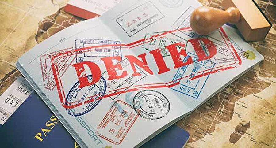 Reuters, 2018 yılında 37.000'den fazla vize başvurusunun, Müslüman ülkelerin vatandaşlarına yapılan seyahat yasağının doğrudan bir sonucu olarak reddedildiğini bildiriyor.