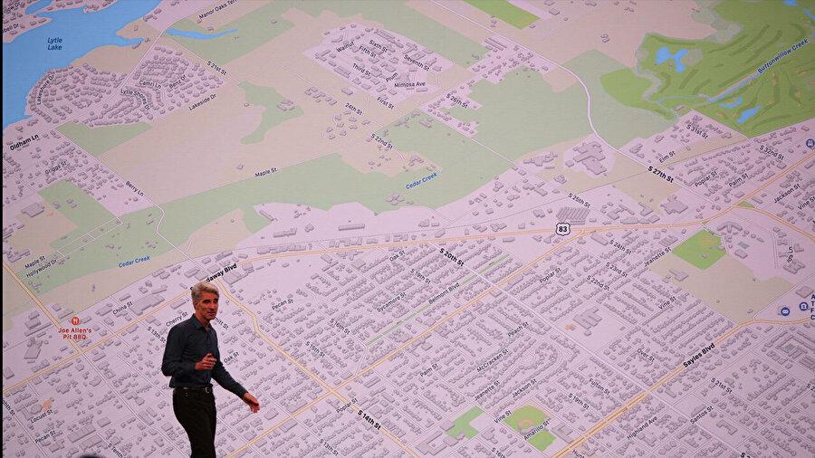 Apple, 'Haritalar' uygulamasını yeniledi. Şirketin hedefi Google'dan daha yetkin bir kılavuz oluşturmak.