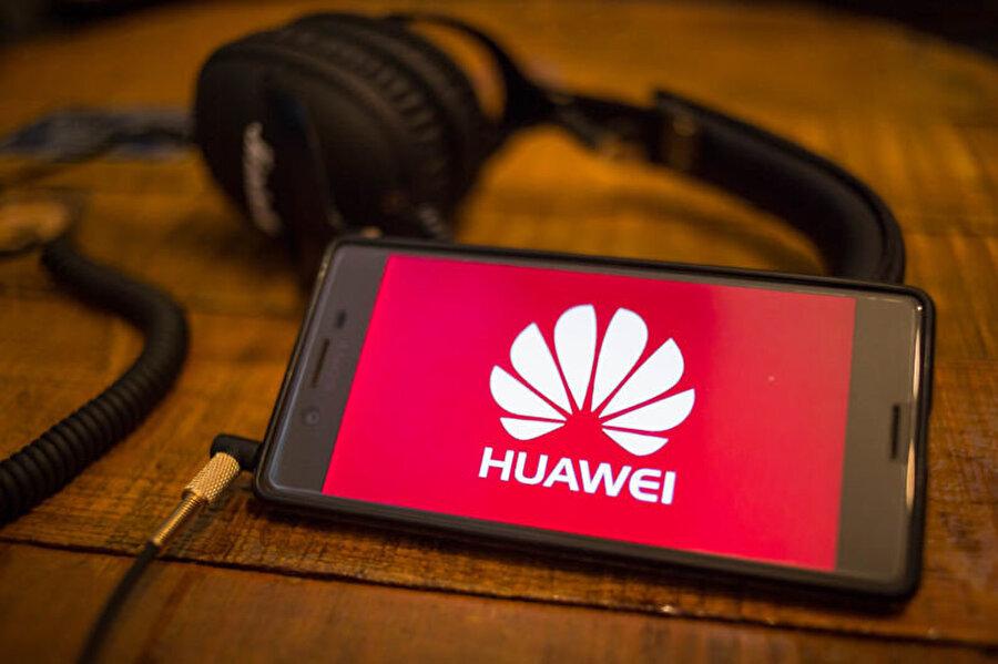 ABD'nin Çin şirketlerine uyguladığı ambargonun ardından son dönemde teknoloji dünyası Google ve Huawei arasında yaşananları konuşuyor.