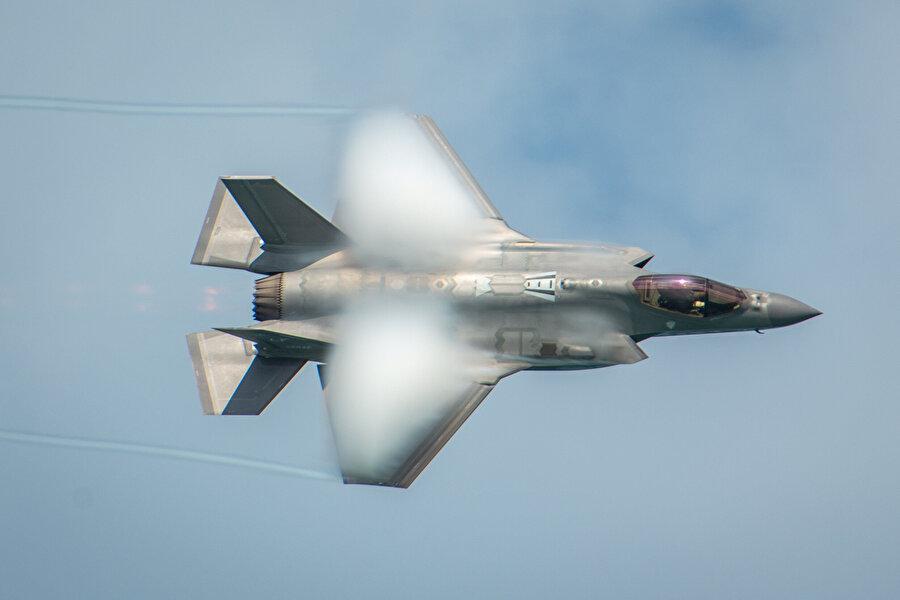 F_35'lerin uçuşu böyle görüntülendi.