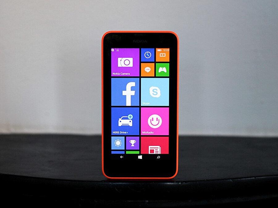 Nokia, telefon üretiminde ağırlığını tasarım ve donanıma verdi, yazılımı hep ihmal etti.