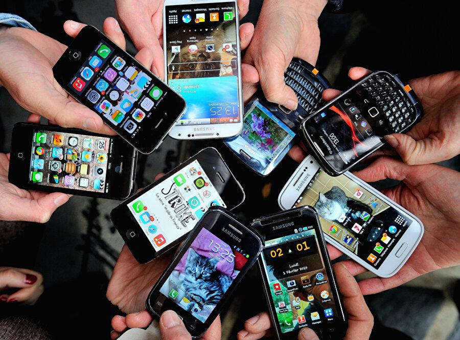 Akıllı telefon dünyasının tüm elementleri, kendi yol haritalarını oluşturdu ve kendince yetkin şirket politikaları belirledi.