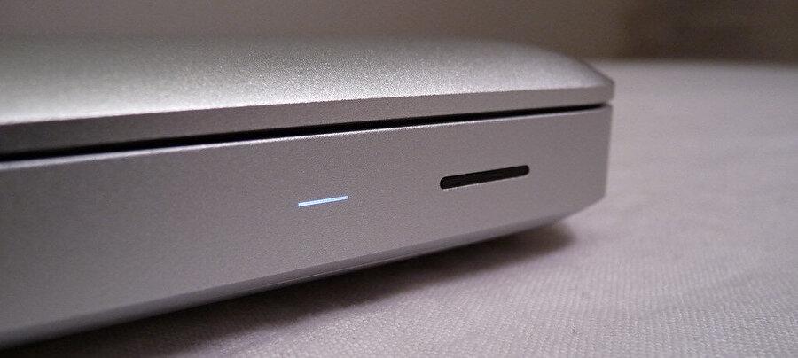 MacBook'lardaki uyku ışığı bir insanın nefes alışından esinlenilmiş.