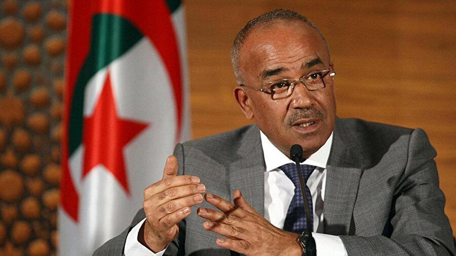 Nureddin Bedevi ve hükümeti de Cezayirli protestocuların gitmesini istediği isimler arasında yer aldı.