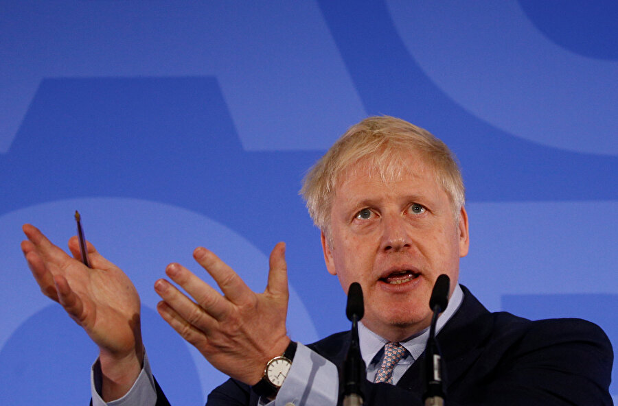 Boris Johnson, Muhafazakar Parti liderliğinde öne çıkıyor.