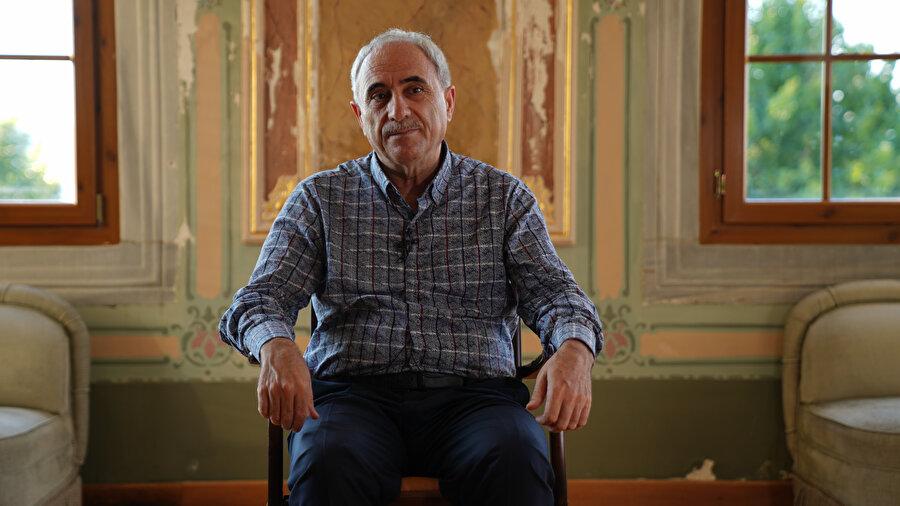 Profesör Nurullah Genç, şairliğinin yanında bilinmeyen yönlerini özellikle zor geçen eğitim hayatını anlattı.