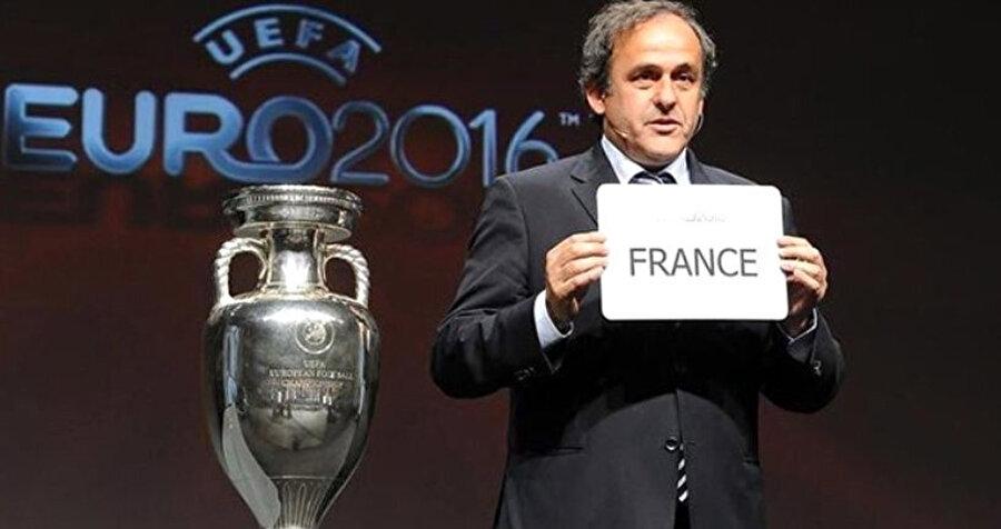 Michel Platini, EURO 2016'yı kazanan ülkeyi açıklıyor.