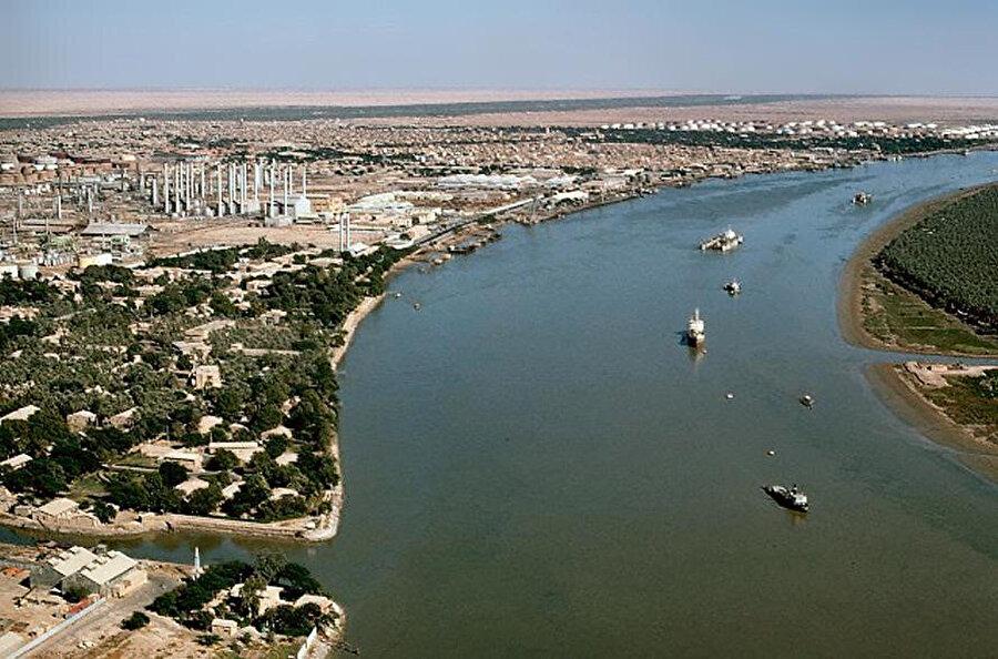 İki ülke arasında gerginliğe yol açan İran ırak sınırındaki Şatt'ül Arap nehri.