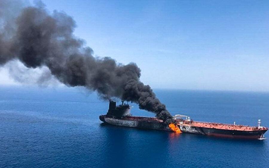 Umman Körfezi'nde ülkeleri karşı karşıya getiren gemi yangnı