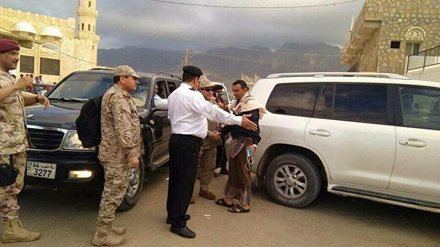 Arap koalisyonu, Suudi Arabistan Kuvvetlerinin Yemen hükümeti ile koordineli olarak Sokotra adasına ulaştığını açıklamıştı.