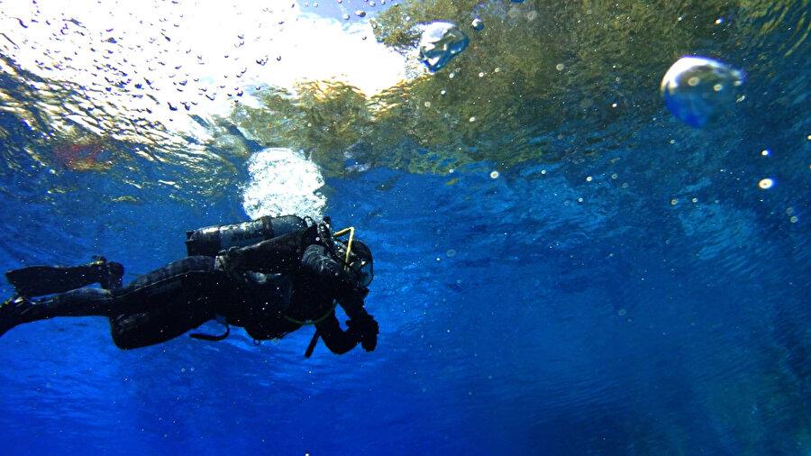 Sıfır Atık Projesi kapsamında denizlerdeki kirlilikle de mücadele ediliyor.
