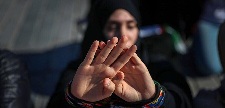 Esed rejimine bağlı hapishanelerinde mahkumlar sistematik işkence ve tecavüze maruz kalıyor.