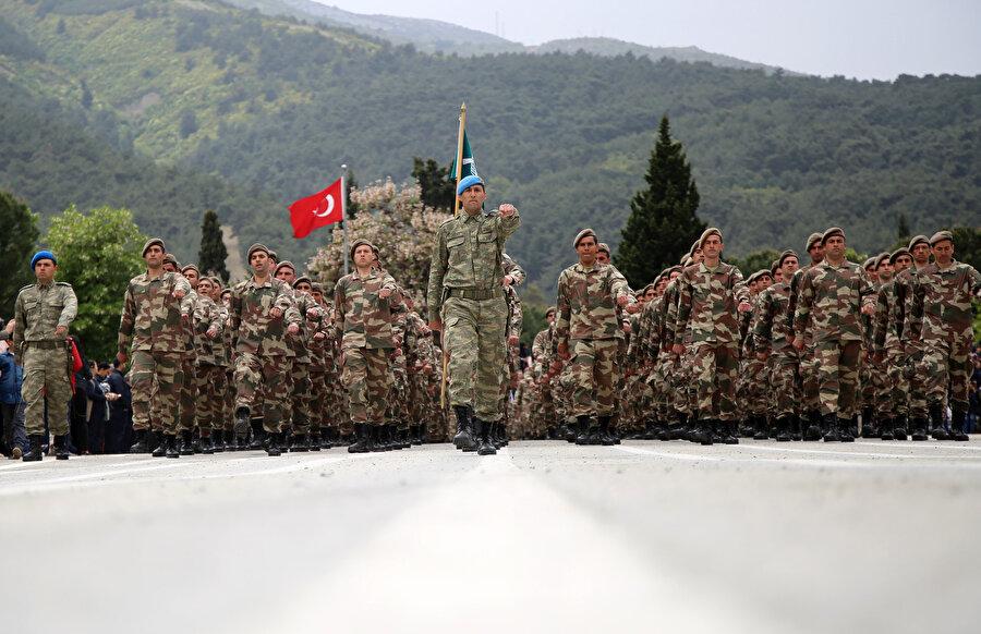 Bedelli askerlik yemin töreninden bir kare.