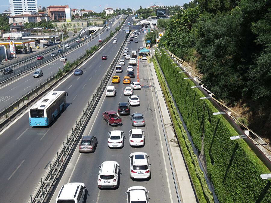 Trafik yoğunluğu Çamlıca Gişelerinden başlıyor. -DHA