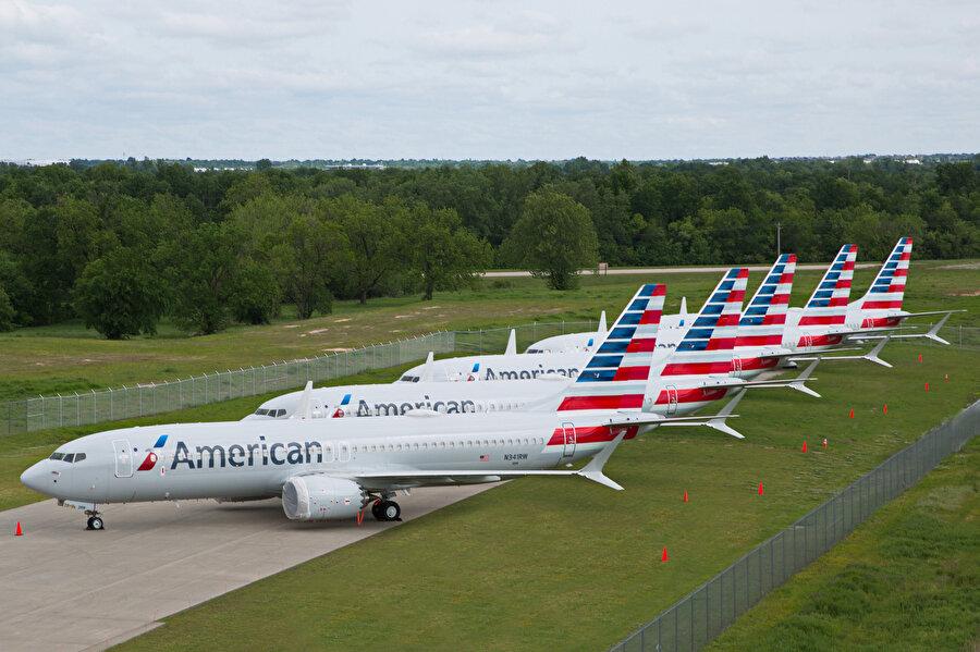 Uçağın yasaklanması 500'den fazla uçağı kullanmayacak olan American, Norwegian, Tui and Ryanair gibi havayolu şirketlerinin bilet iptallerine neden olurken şirketlerin bu sürede 'zarar' yazmasına neden oldu.