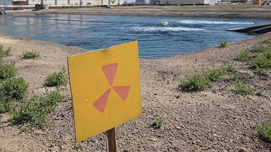 İran, geçtiğimiz günlerde nükleer anlaşma çerçevesinde belirlenen 300 kilogram uranyum stok sınırının aşılacağını ve uranyum zenginleştirme işlemlerinin hızlandırılacağını duyurmuştu. -AAnn