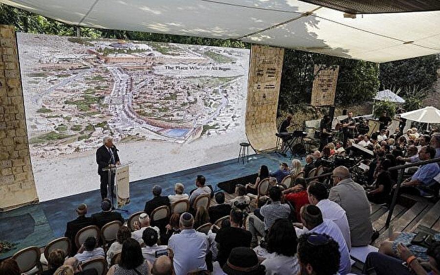 ABD'nin İsrail Büyükelçisi Friedman'ın Silvan Havuzu'ndan (Breikhat HaShiloah) Harem-i Şerif'in Burak (Ağlama) Duvarı'na çıkan tünelin açılışı töreninde yaptığı konuşma.