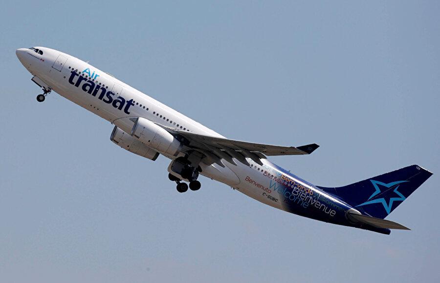Kalkış yapan bir yolcu uçağı