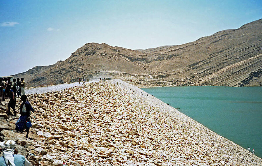 1986'da inşa edilen yeni baraj.