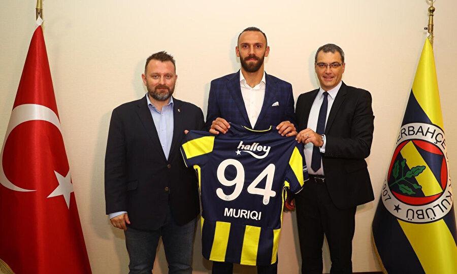 Kosovalı futbolcu, sarı lacivertli takımda 94 numaralı formayı giyecek.