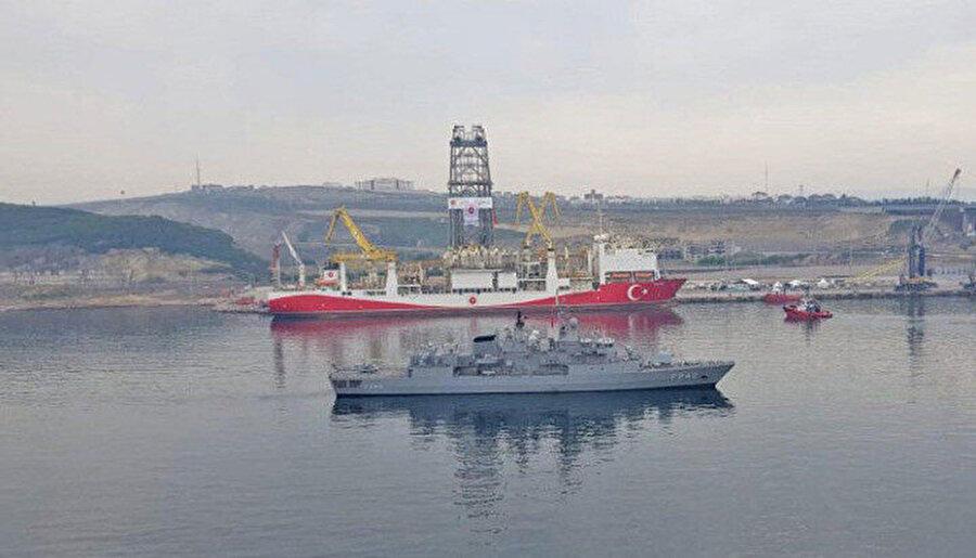 Yavuz sondaj gemisine Doğu Akdeniz güzergahında Türk Deniz Kuvvetlerine ait TCG FATİH Fırkateyni refakat etti.