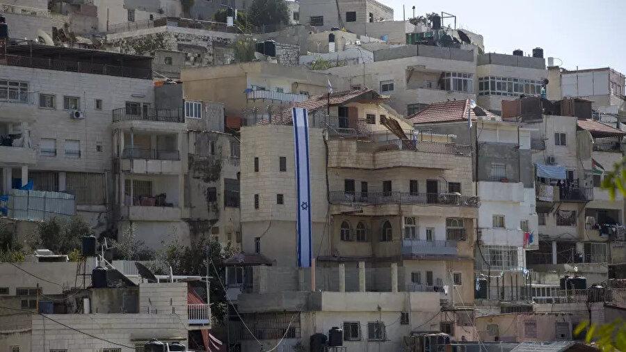 Silvan bölgesinde bulunan evlerinden zorla çıkarılan Filistinlilerin evlerinin yerine Yahudi yerleşim birimleri inşa ediliyor.