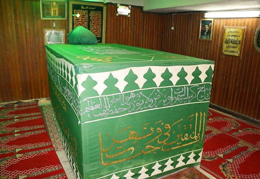 Şâzelî tarikatının Husâfîlik kolunun kurucusu Şeyh Hasaneyn Husâfî'nin Demenhur'daki kabri.
