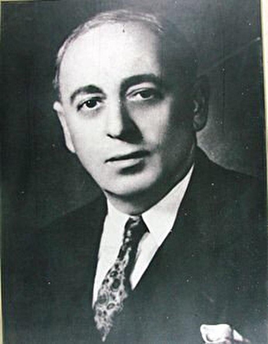Baas Partisi'nin isim babası Zekî Arsûzî, 1947'de partisini Aflak-Bitâr ikilisine kaptırmış, kendisi de siyasî hayattan tamamen çekilmişti.