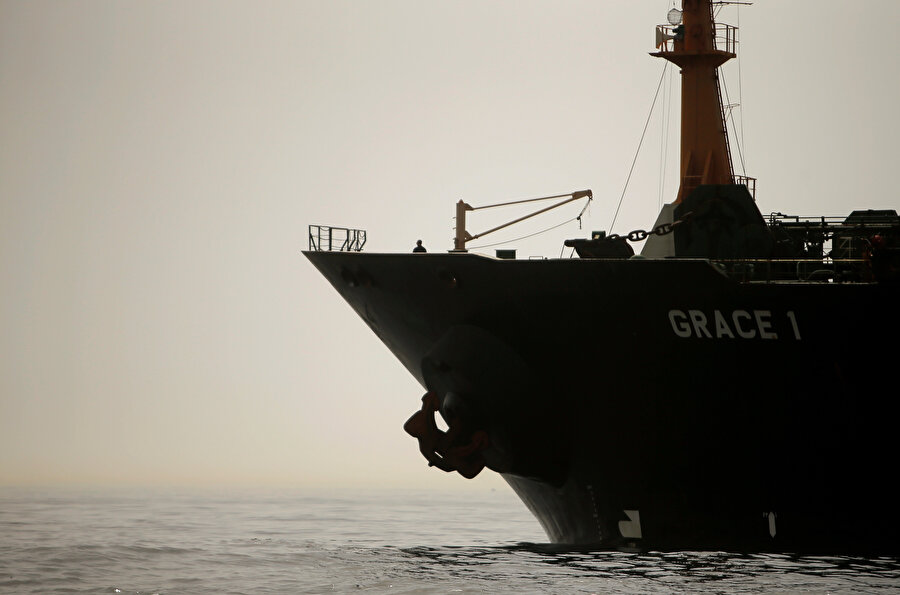 İngiltere, İran bandıralı petrol tankeri Grace 1'i alıkoymuştu.