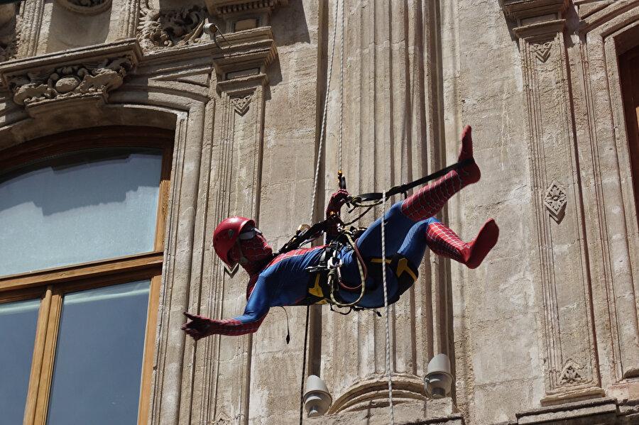 Marvel Sinematik Evreni, onlarca farklı ve özel karakteri beyazperdeye taşıyor. Örümcek Adam da bunlardan biri.