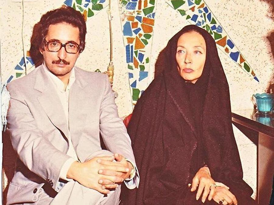 Ebu'l-Hasen Benî Sadr, Humeynî ile röportaj için İran'a gelen İtalyan gazeteci Oriana Fallaci ile birlikte.