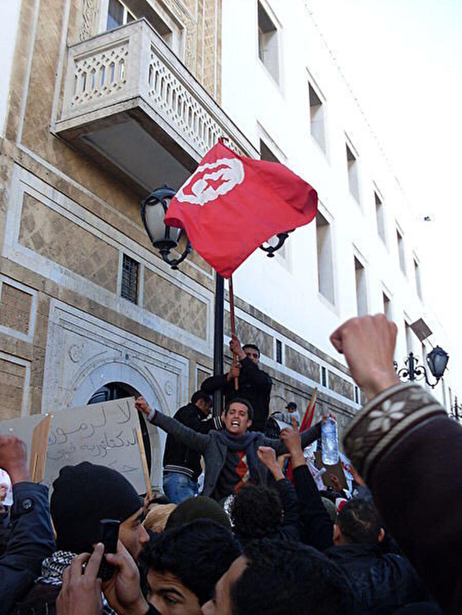 Arap Baharı'na ilham veren Tunus'taki hükümet karşıtı gösteriler.