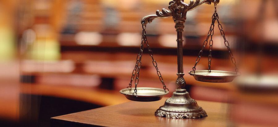 2 yıllık Adalet bölümü mezunları, Hukuk bölümüne geçiş yapabiliyorlar.