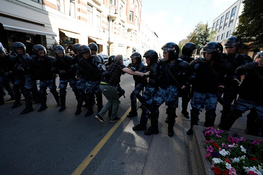 Polis, gösteride güvenlik önlemleri aldı.