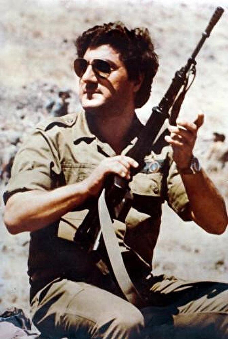 İsrail'in desteklediği Lübnan Cumhurbaşkanı Beşir Cemayel.