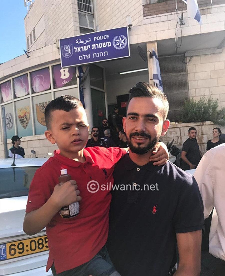 Muhammed İleyyan, ifade için Doğu Kudüs'teki İsrail polis merkezine geldi.