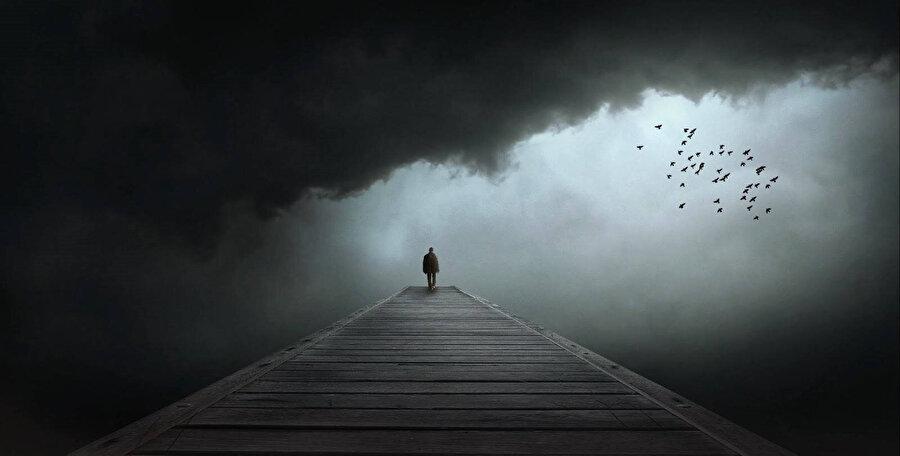 Âşık adam aynı zamanda yalnızdır ve gücünü buradan alır.