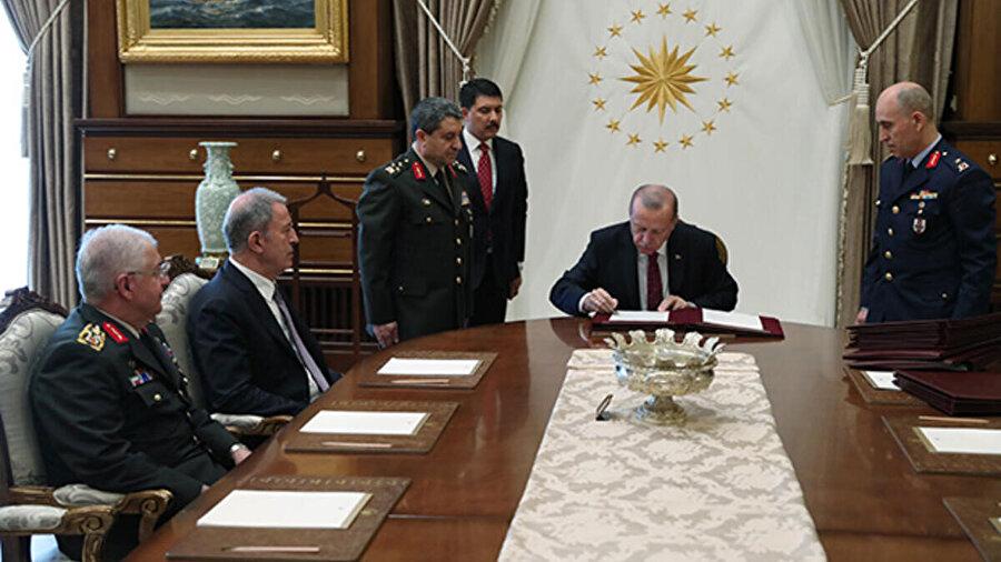 Cumhurbaşkanı Recep Tayyip Erdoğan alınan kararları imzaladı.